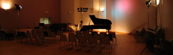 Concert Warm-Up - Frank Horvat