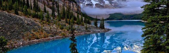Lake Moraine, Alberta (Photo by David Wirzba on Unsplash)